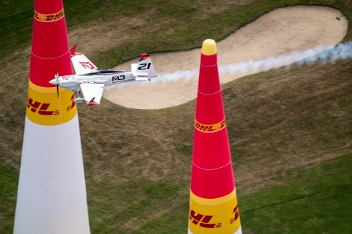 Matthias Dolderer of Germany performs during the finals at the fifth stage of the Red Bull Air Race World Championship in Ascot, Great Britain on August 14, 2016. // Predrag Vuckovic/Red Bull Content Pool // For more content, pictures and videos like this please go to www.redbullcontentpool.com.