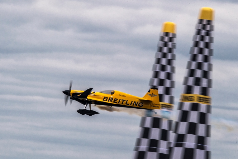 Nigel Lamb of Great Britain performs during the finals at the fifth stage of the Red Bull Air Race World Championship in Ascot, Great Britain on August 14, 2016. // Mihai Stetcu/Red Bull Content Pool // For more content, pictures and videos like this please go to www.redbullcontentpool.com.