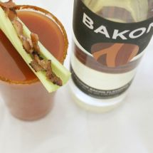800px-bacon_bloody_mary-kaitlin_lunny