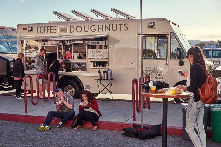 coffee_and_doughnuts_food_truck