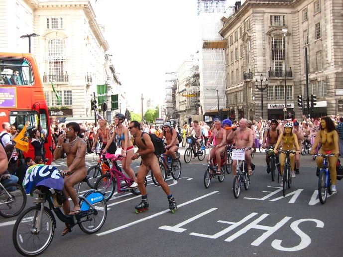 more-details-world-naked-bike-ride-in-london-2012