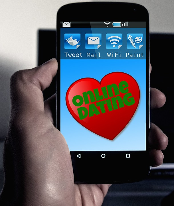 online-dating-570216_960_720
